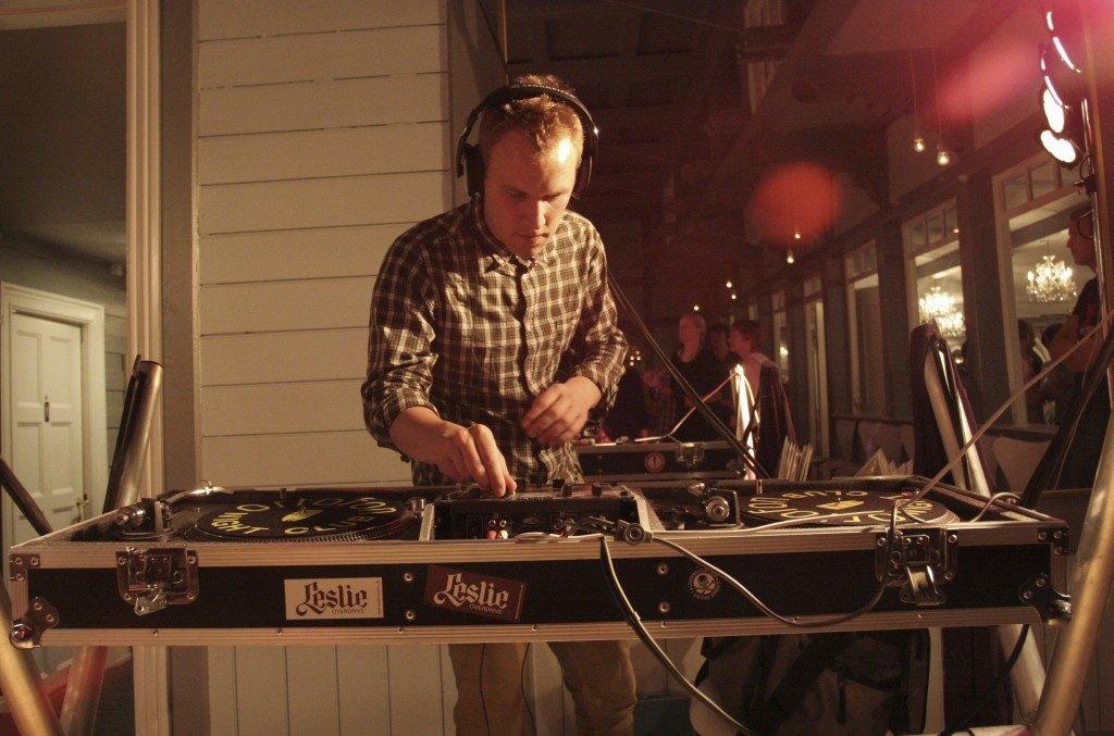DJ til bryllupsfesten